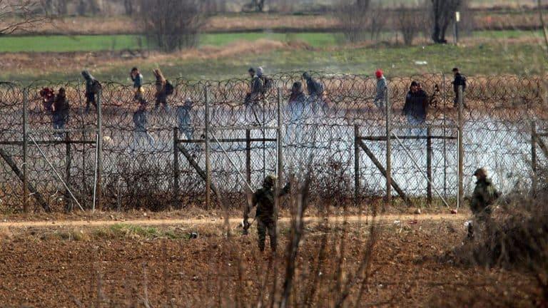 Μέχρι το τέλος του χρόνου έτοιμα 30χλμ φράχτη στον Έβρο
